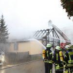 Gebäudebrand neben Scheune